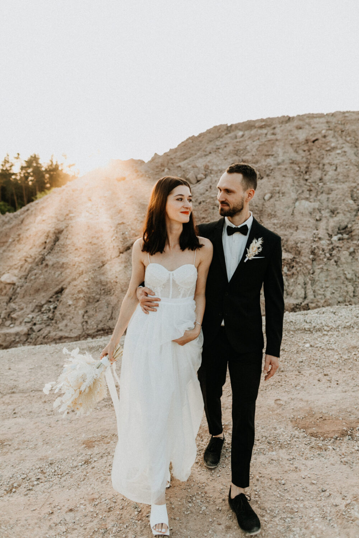 Minimalistische Hochzeit in einer Sandgrube bei Nürnberg